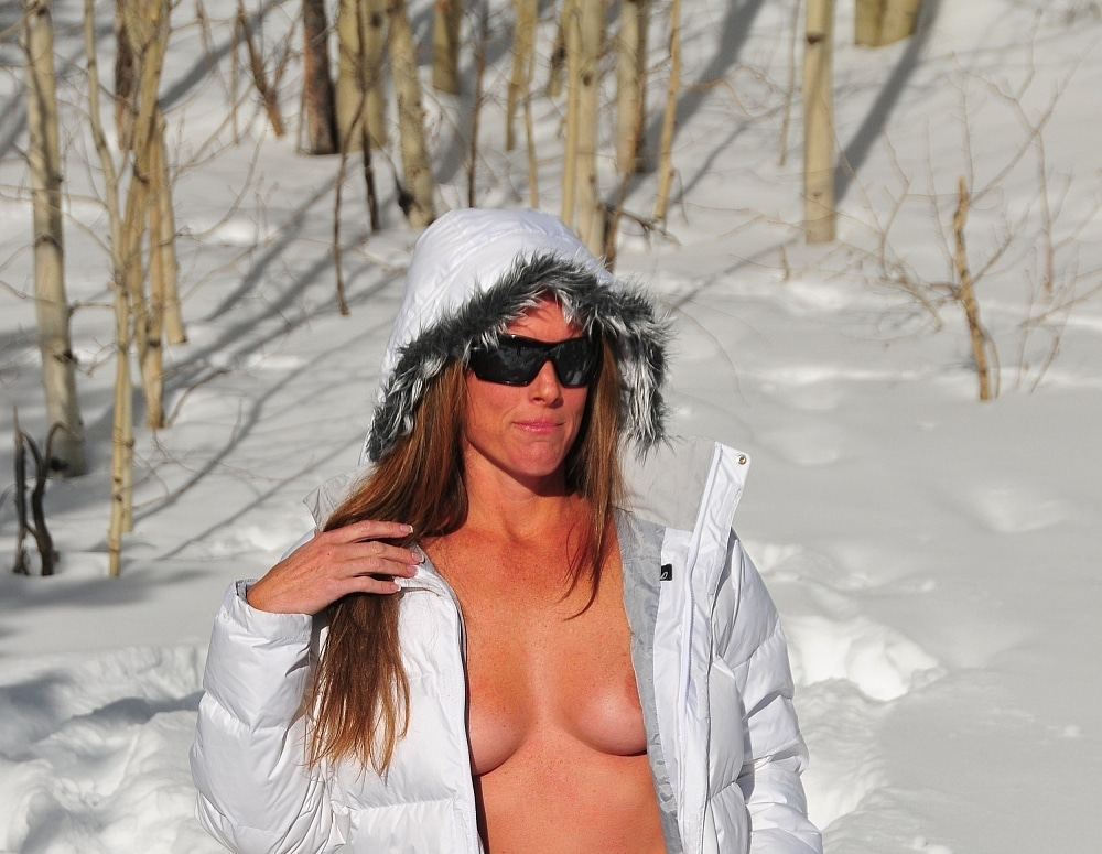 SofieMarieXXX/SM_White_Parka_CO_Yellow_Snow_Web