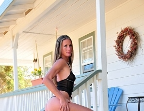 SofieMarieXXX/SM_Wicked_Weasel_Knickers_Porch_Gold_Country