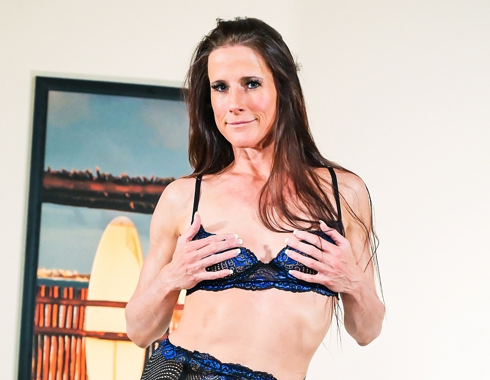 SofieMarieXXX/StepSiblingsReconnect DP Threesome